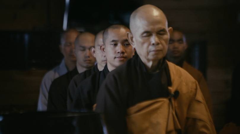 06_007-Thich-Nhat-Hanh-meditating-with-Br-Phap-Huu.-Plum-Village-France-┬®Speakit-Productions-Ltd